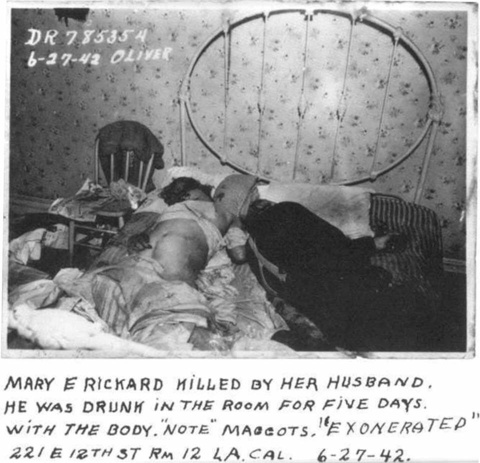Vintage crime scene: Man murders wife, stays with her body for